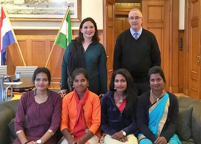 Indiase studentes ontmoeten Aboutaleb